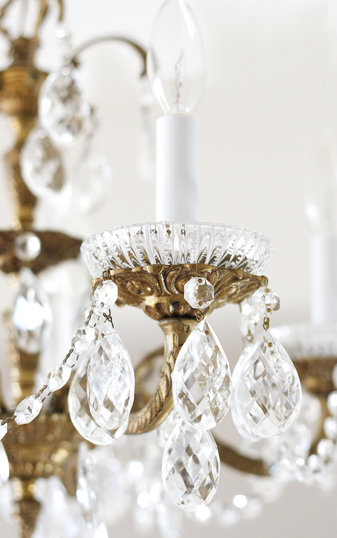 Paige Smith_Studio Chandelier_Detail