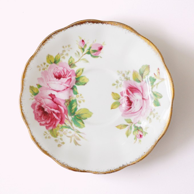Saucers_Rose_1_Royal Albert_American Beauty