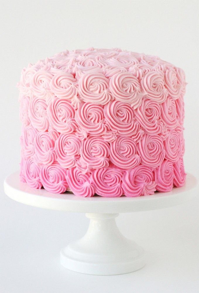 rose-petal-wedding-cake-amazing_weddingsee.com